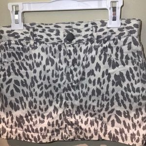gap white and gray cheetah print skirt